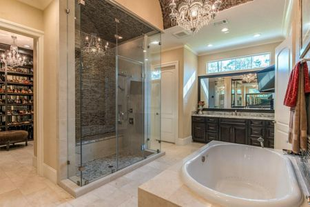 Shenandoah, Texas - Master Bathroom
