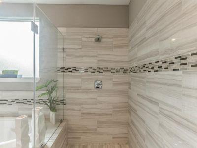 Master Bath - 1104 Hackeny St.